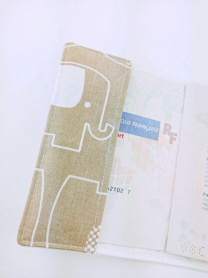 Protège passeport éléphant intérieur