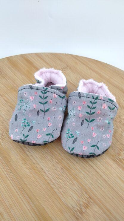 Chaussons bébé gris et rose zoom